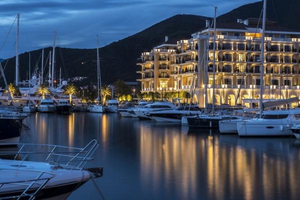 2 Regent Porto Montenegro LR 02d